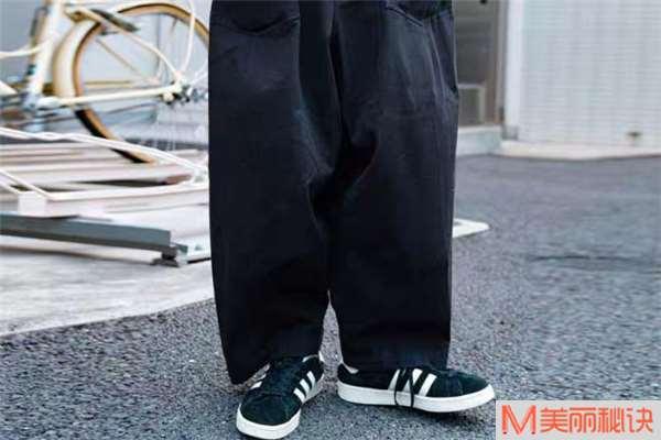 工装阔腿裤什么颜色好看 工装阔腿裤流行什么颜色
