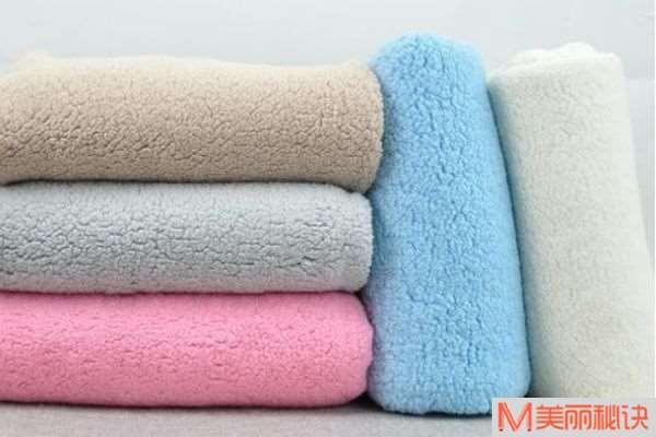 羊羔绒和珊瑚绒有什么区别 怎么区分真假羊羔绒
