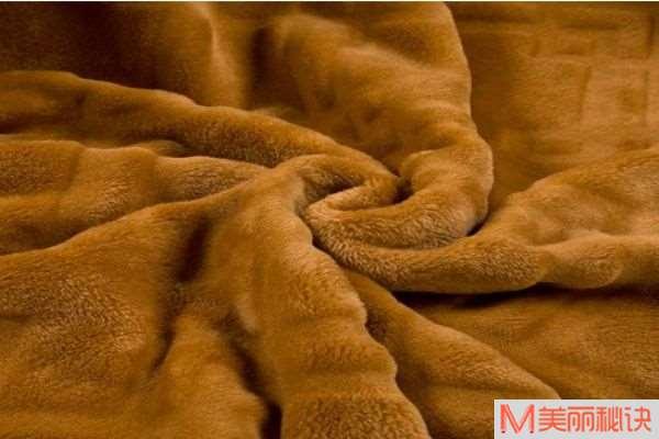 金貂绒和水貂绒哪个好 金貂绒和水貂绒的区别