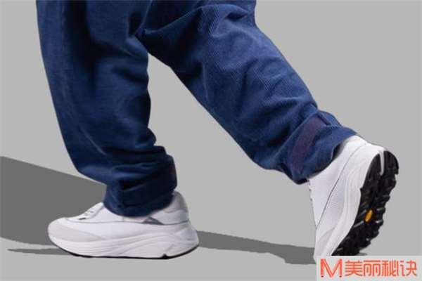 灯芯绒裤子搭配什么鞋子好看 灯芯绒裤子怎么搭配鞋子