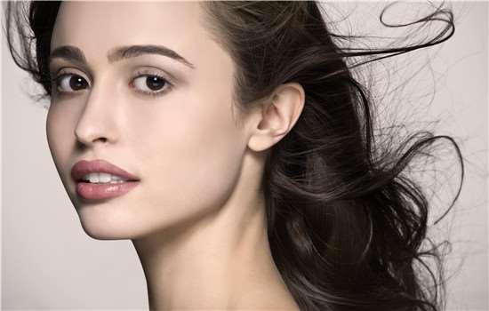 头发打薄容易分叉吗 头发分叉如何护理