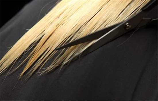 头发打薄再拉直会毛吗 毛躁的头发如何护理