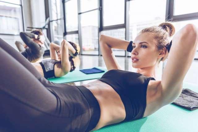 仰卧起坐的正确做法,一篇告诉你仰卧起坐的训练方法