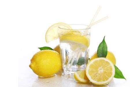 水中加两种食物可以轻松减肥
