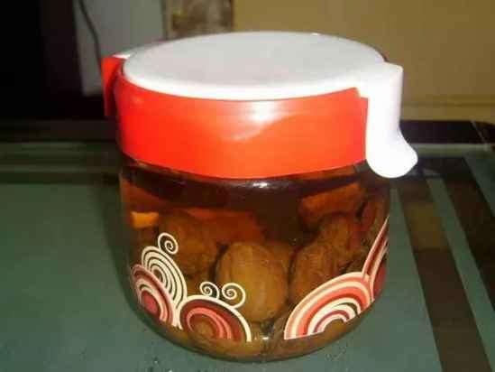 红枣果醋的制作方法 喝上一杯红枣果醋肚子瘦一圈