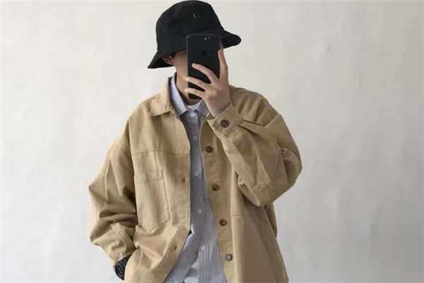 日系外套里面穿什么好看 日系外套搭配指南