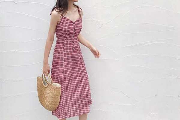 黄皮适合什么颜色的裙子 黄皮和白皮都适合穿的颜色推荐