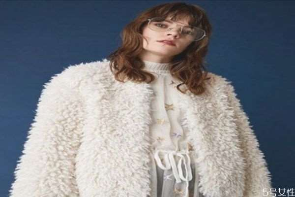 什么是羊羔绒 羊羔绒的特点