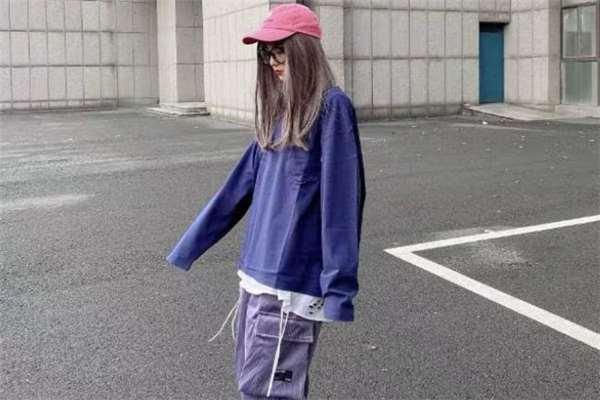 长袖t恤什么颜色好看 长袖t恤流行什么颜色