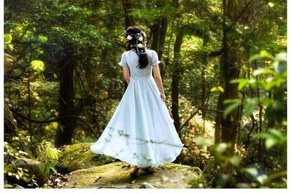 长裙和短裙怎样挑选 身高160以下的女生不适合什么款式的裙子