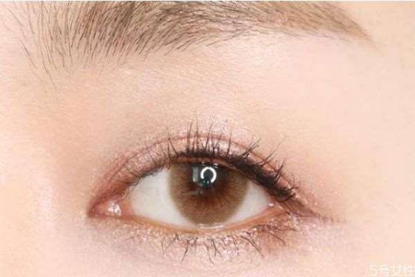 什么颜色美瞳显眼睛大 美瞳会让眼睛变大吗