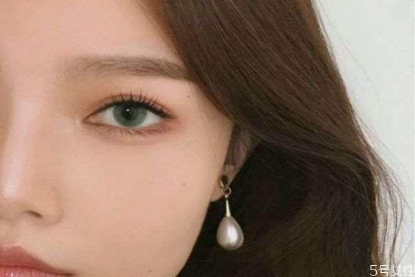 美瞳是买大直径好还是小直径好 美瞳的大小直径选择