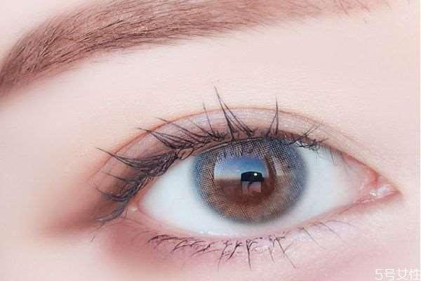 隐形眼镜的薄厚对眼睛有影响吗 隐形眼镜直径大小舒适度
