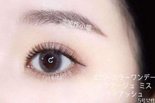 单眼皮戴美瞳眼睛能变大吗 戴美瞳效果好吗