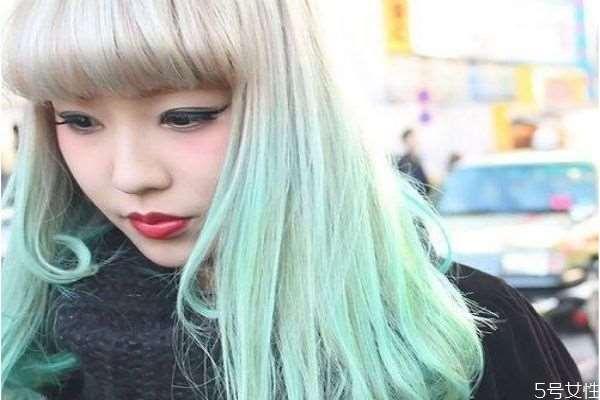 染发和头发打蜡有什么区别 头发打蜡有什么危害