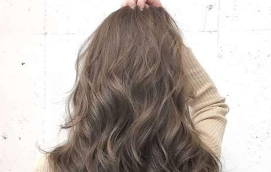 头发染什么颜色不会发黄 头发油腻怎么办