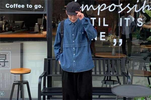 牛仔衬衫配什么帽子好看 牛仔衬衫搭配帽子图片
