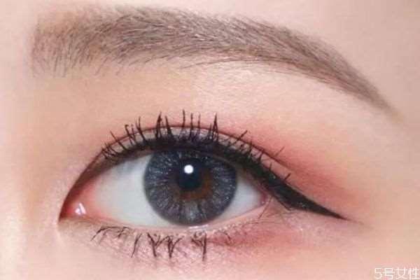 怎么画下眼睫毛好看 画下眼睫毛的方法