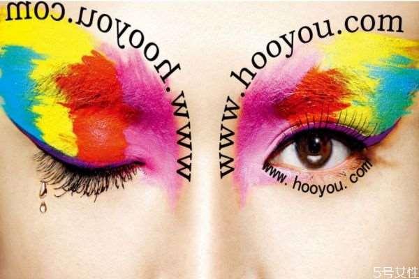 劣质化妆品有哪些影响 劣质化妆品怎么判断