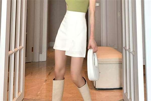 胯宽穿a字裙还是百褶裙 梨形身材能穿a字裙吗