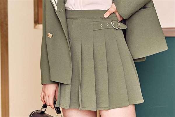 百褶裙怎么熨烫 百褶裙怎样自己压褶子