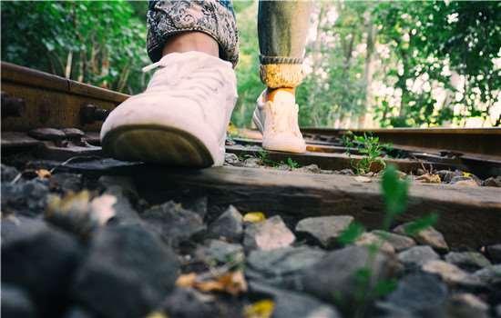 机能鞋和普通鞋的区别 童鞋选购方法