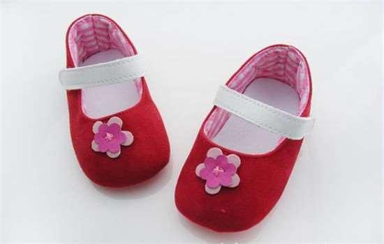 学步鞋和机能鞋的区别 步前鞋和学步鞋的区别