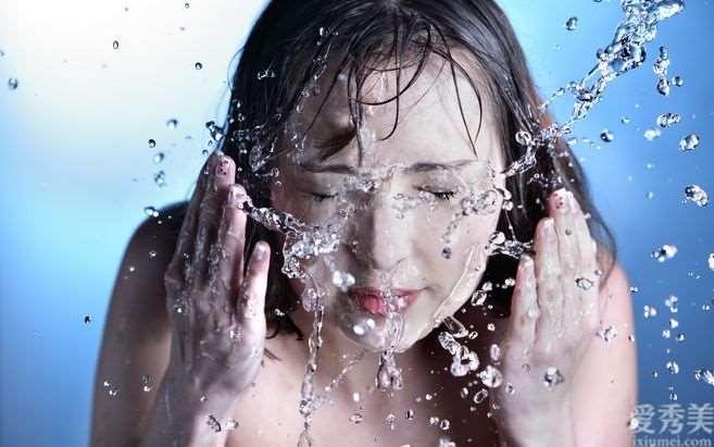4个普遍的不正确洗脸方法,越洗肌肤越差?完美主义者美丽的你务必注意了