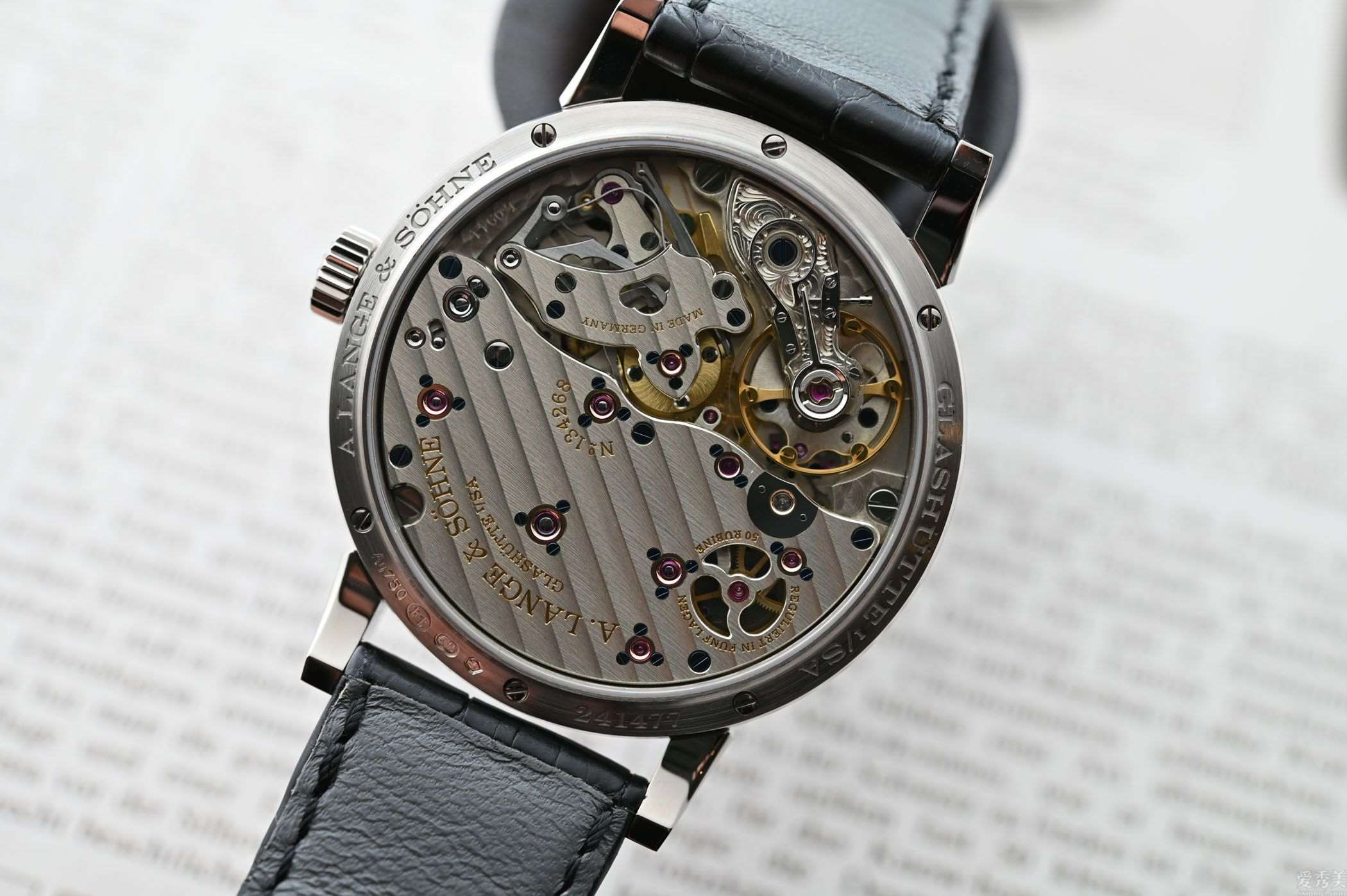 朗格(A.Lange&Söhne)跳秒秒针白金和黑色表壳
