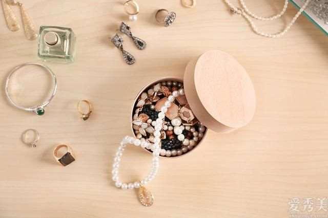 相关珠宝首饰佩戴及搭配的好多个层面基础知识