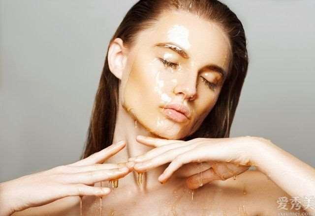 分析蜂蜜洗脸的恰当方式给肌肤大量的滋润