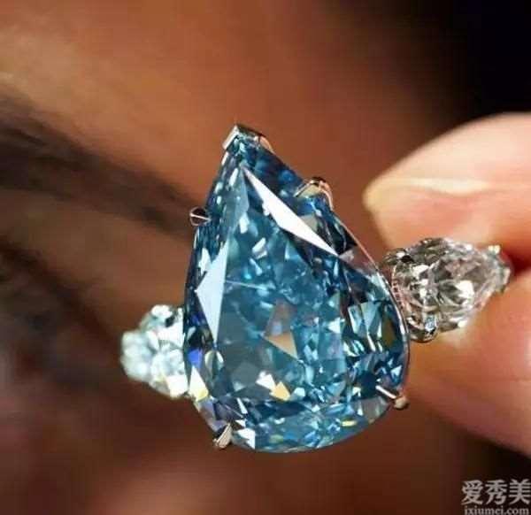 珠宝首饰界掀起的那蓝色飓风