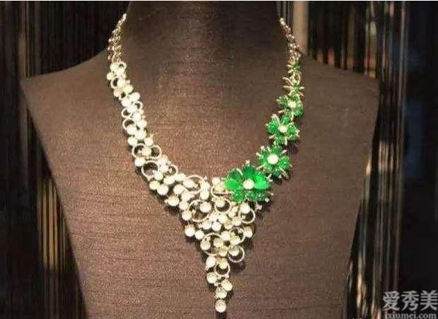 不一样的脸型配搭珠宝的计划方案,5种饰品配搭标准