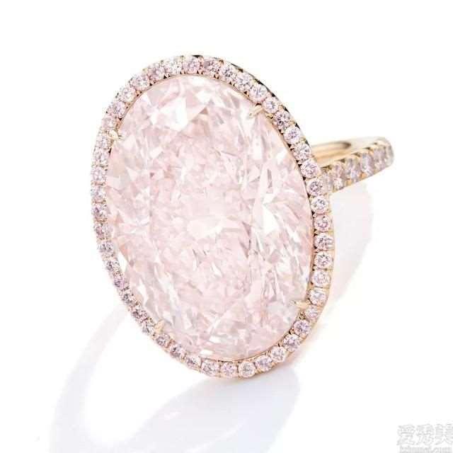 7款样子各不相同粉钻款,椭圆形爱围钻,长形粉钻配双石,唯心形最简约