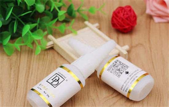 贴甲片的胶水怎么溶解 美甲没有解胶剂怎么卸甲片