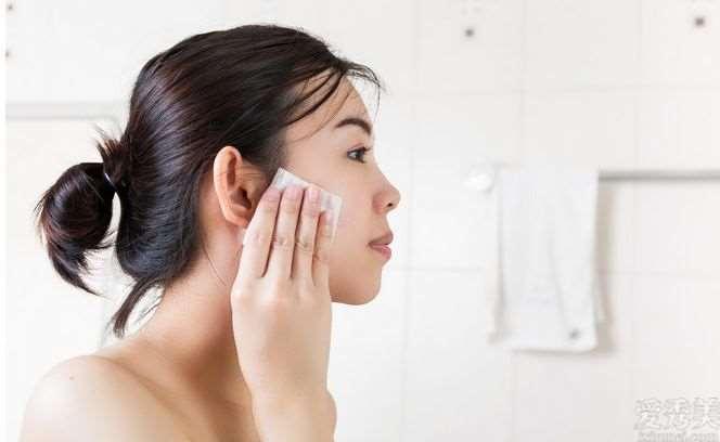 了解这2点,选择卸妆产品已不艰辛,让皮肤护理第一步适当进行