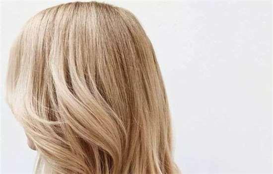 漂头发伤头发吗 漂发对发质伤害很大的