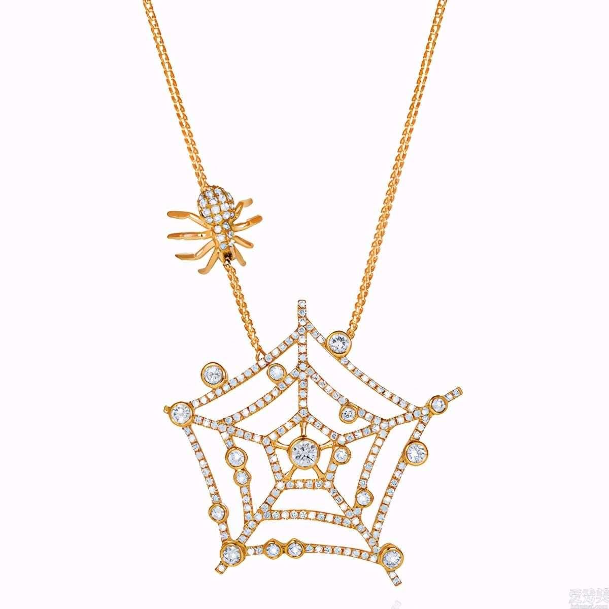 """万圣夜的珠宝饰品经典著作中,有一把出色的""""出血匕首"""""""