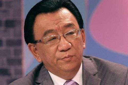 侯耀华在简易楼盘商演,74岁高龄依然捞金,相声影响力早已不在!_明星新闻