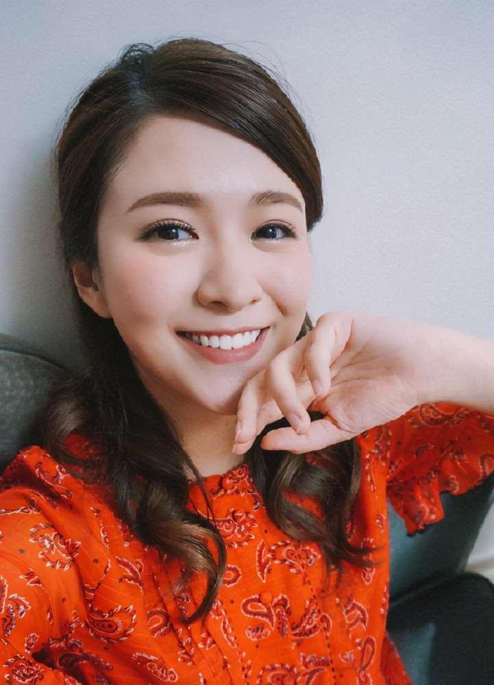 """决裂!TVB上位小花晒照庆25岁生日,与""""过气闺蜜""""上演宫斗记_明星新闻"""