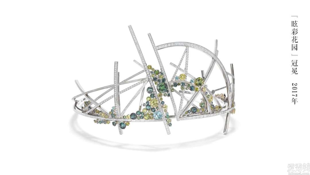 欧洲国家的珠宝饰品冠冕多见花图案,不仅别具一格还另有深意