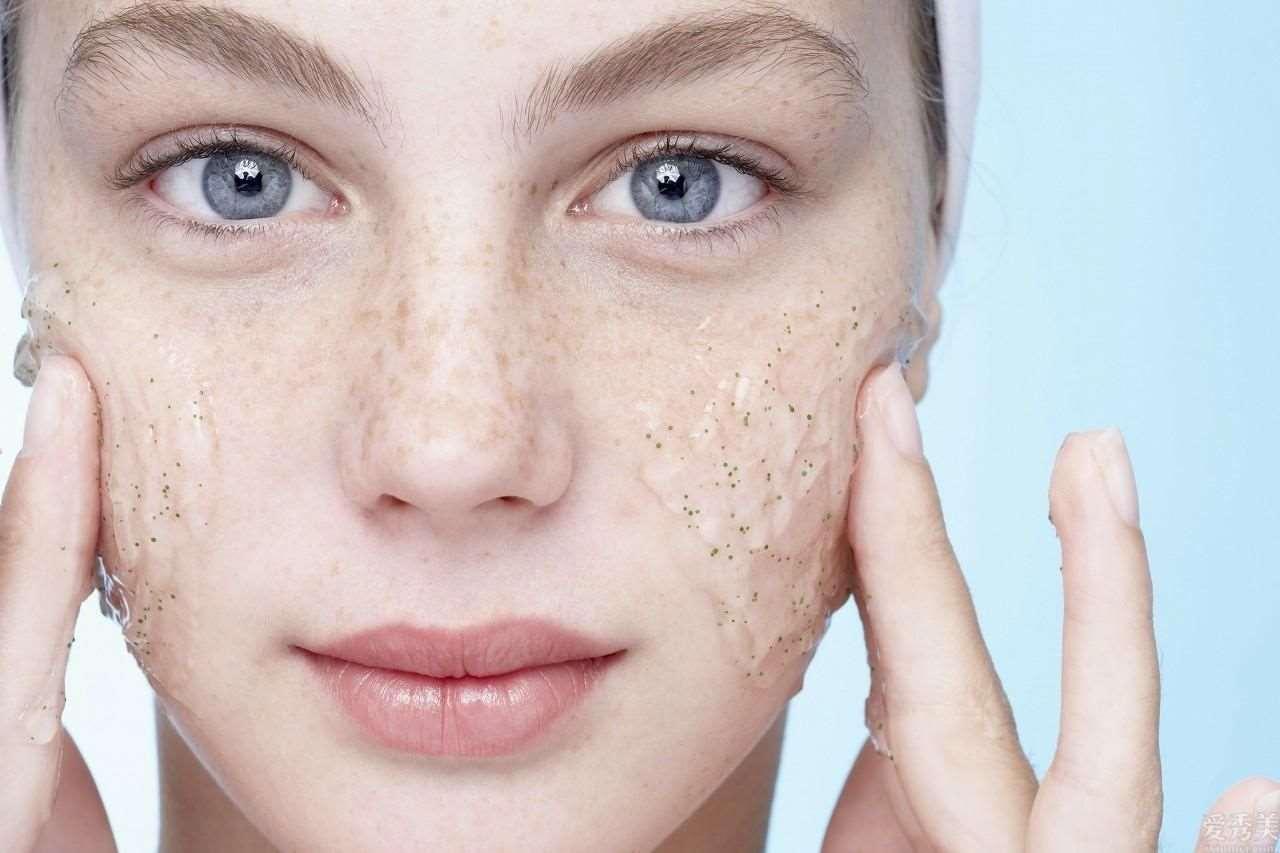 为什么你的肌肤会出現很多难点,是因为你没把握的肌肤屏障损坏了