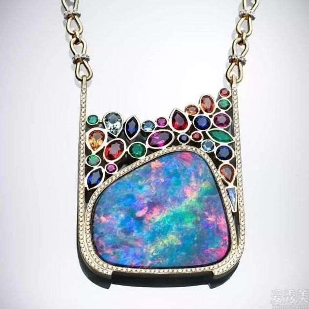 什么叫奢侈华丽?名嫒们都爱的珠宝饰品款式,设计不同寻常让你赞叹不已