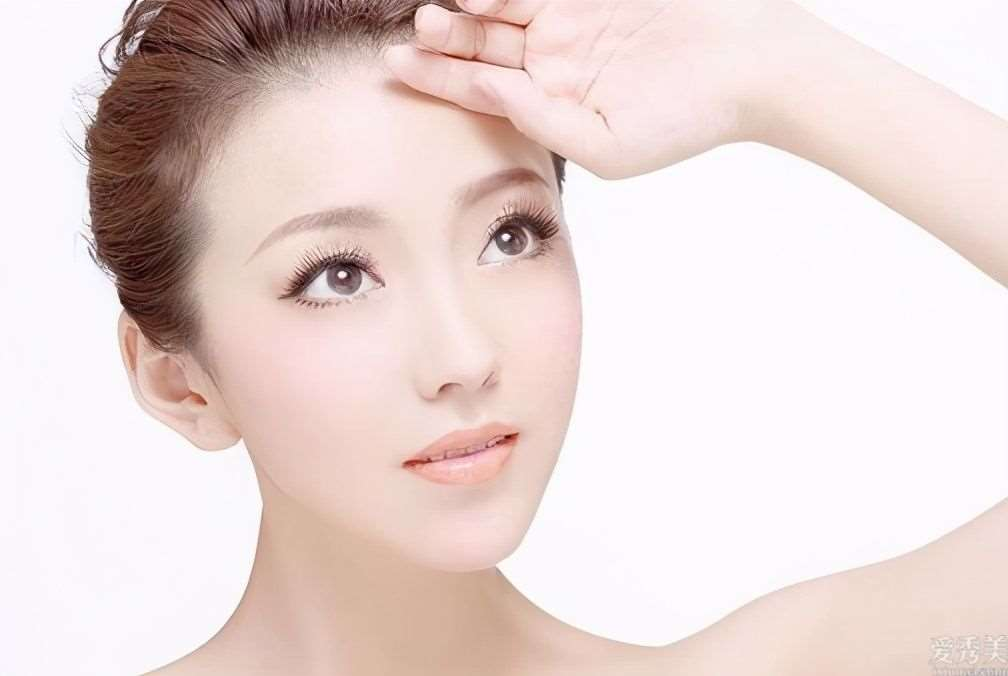 冬季来临,皮肤干燥脱皮?牢记4个小方法让肌肤透润光滑