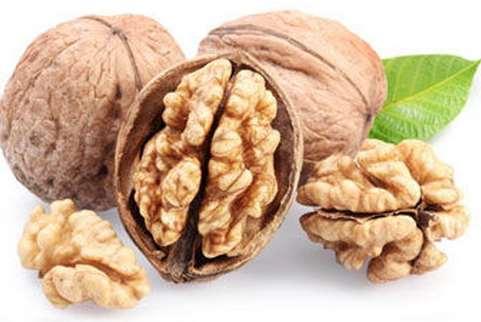 吃什么头发长的快?四种坚果,越吃头发越长。