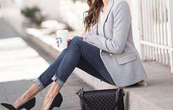 小西装适合穿什么鞋子 小西装与鞋子的时尚潮酷搭配