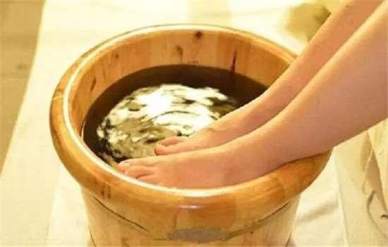 泡脚桶可以家人共用吗 白醋泡脚可以天天泡吗