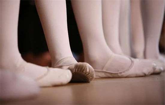 泡脚为什么对睡眠有好处 热水泡脚多长时间最好
