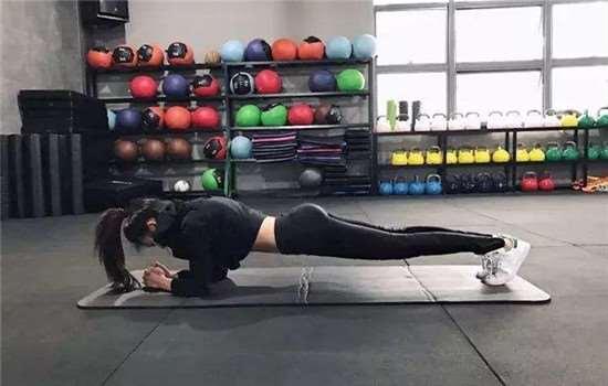 睡前运动减肥的最好方法 睡前不适合做哪些运动