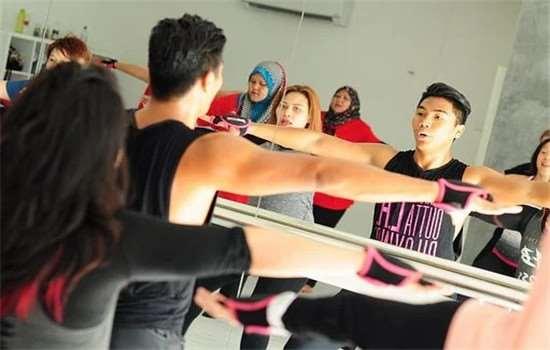 减肥操和广场舞哪个减肥好 减肥操什么时候跳效果最好